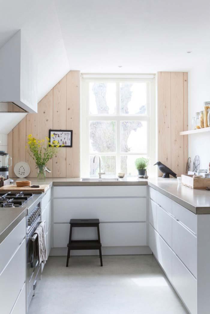Cozinha planejada pequena, branca e simples