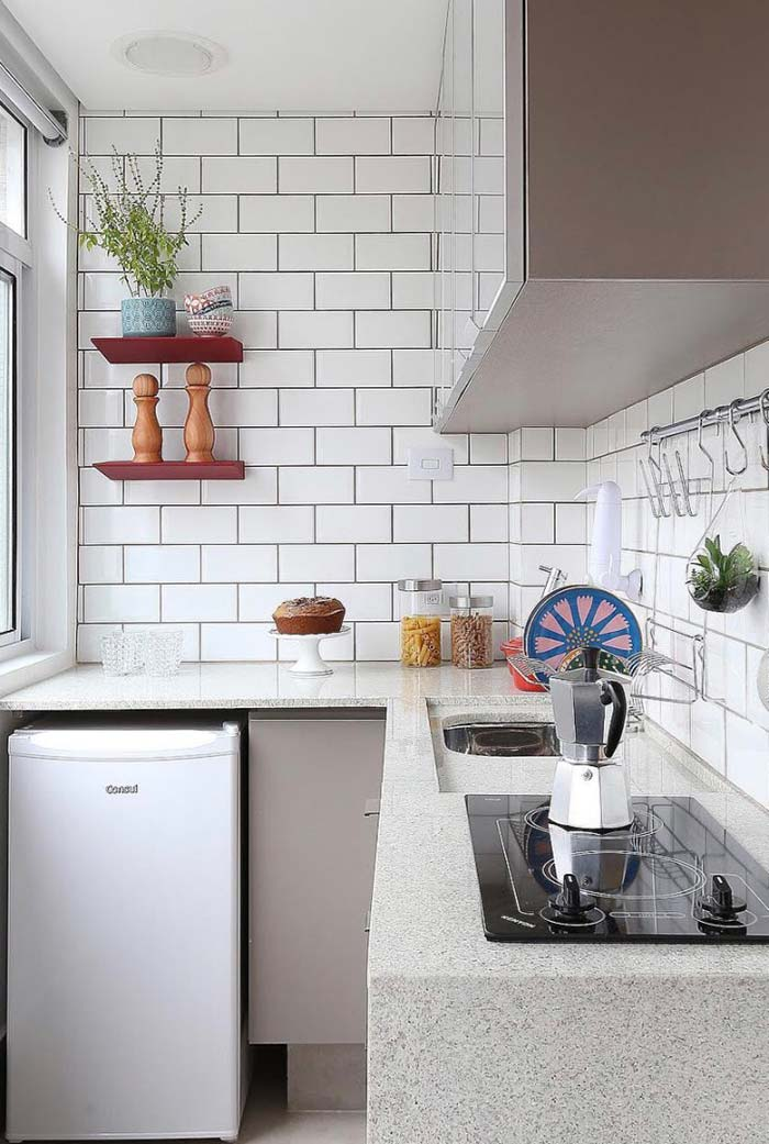 Cozinha planejada pequena com frigobar