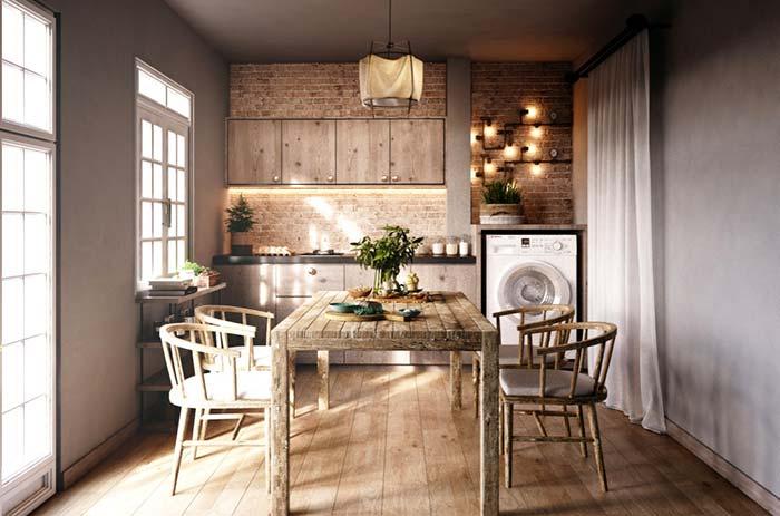 Cozinha pequena com móveis rústicos