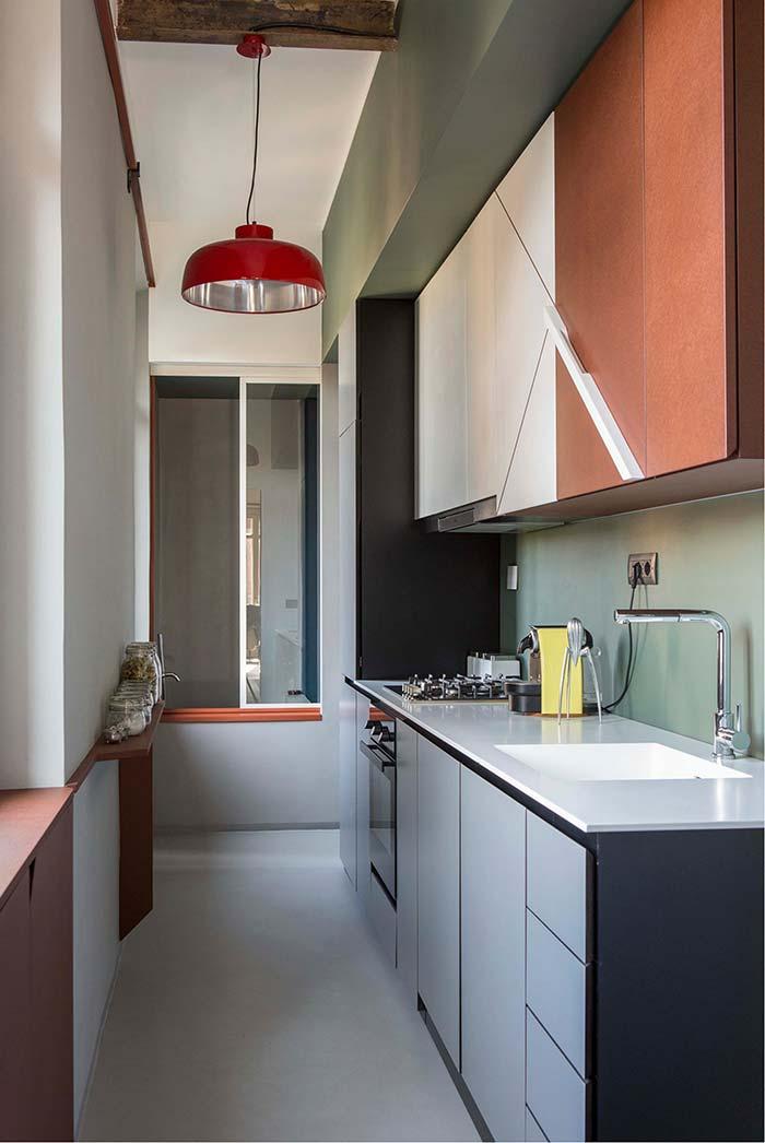 Cozinha cheia de cores