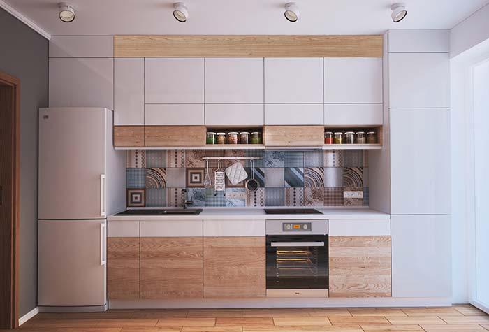 Cozinha planejada em linha com armários