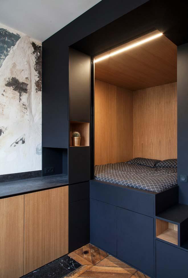 Cama integrada no quarto pequeno