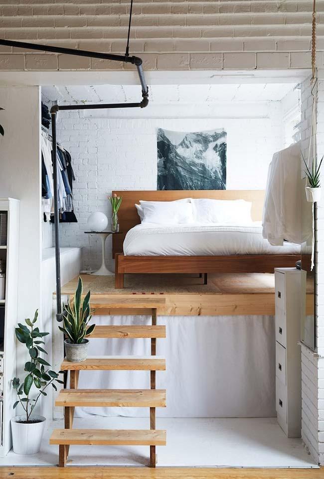 Plataforma para elevar a cama em quarto pequeno