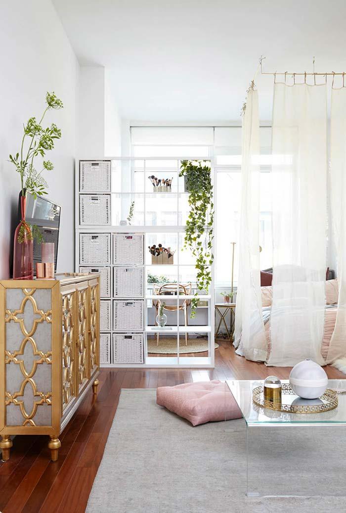 Divisão do quarto pequeno com cortina