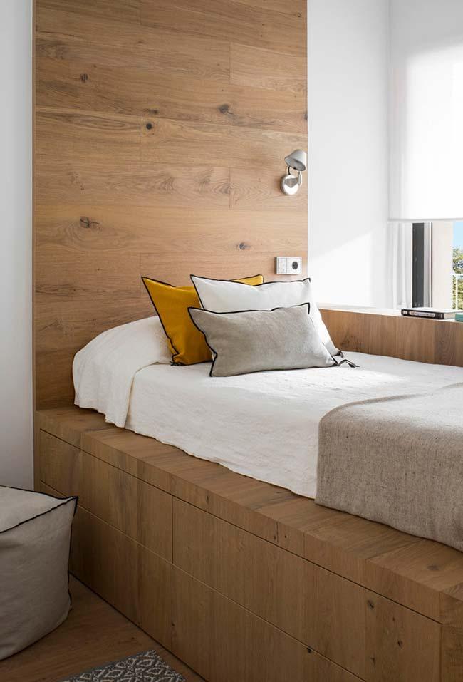 quarto pequeno de solteiro planejado com gavetas