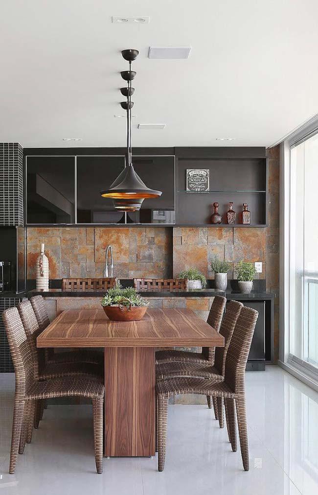 Pedras rústicas para compor a cozinha