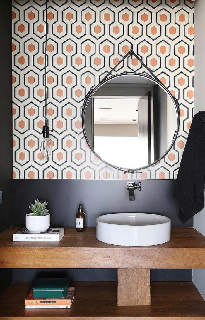 Banheiro com azulejos combinando com o móvel