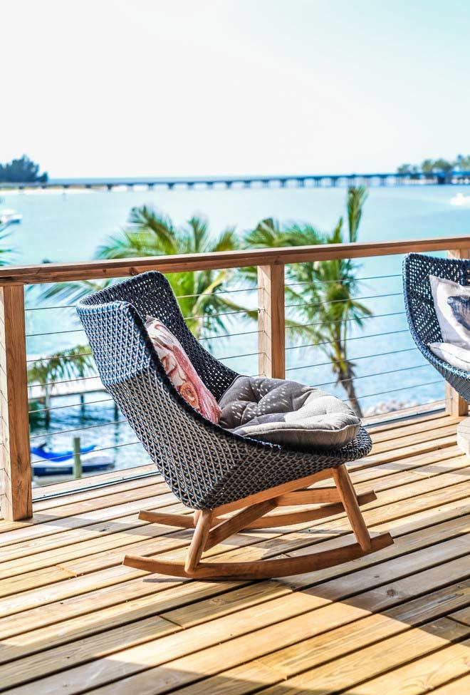 Cadeira de balanço para varandas e áreas externas