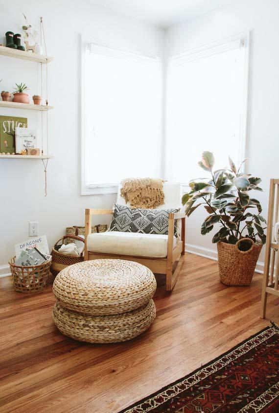 Cadeira de balanço com puff de sisal