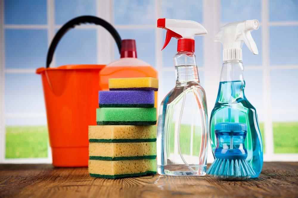 Como limpar azulejo de banheiro com detergente neutro