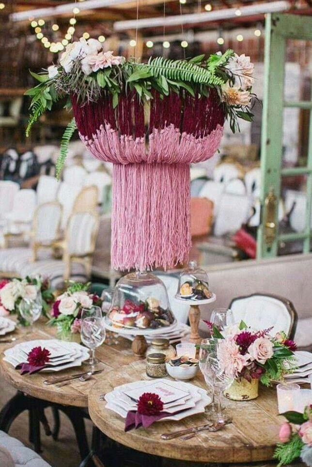 Centro de mesa pendente com folhas