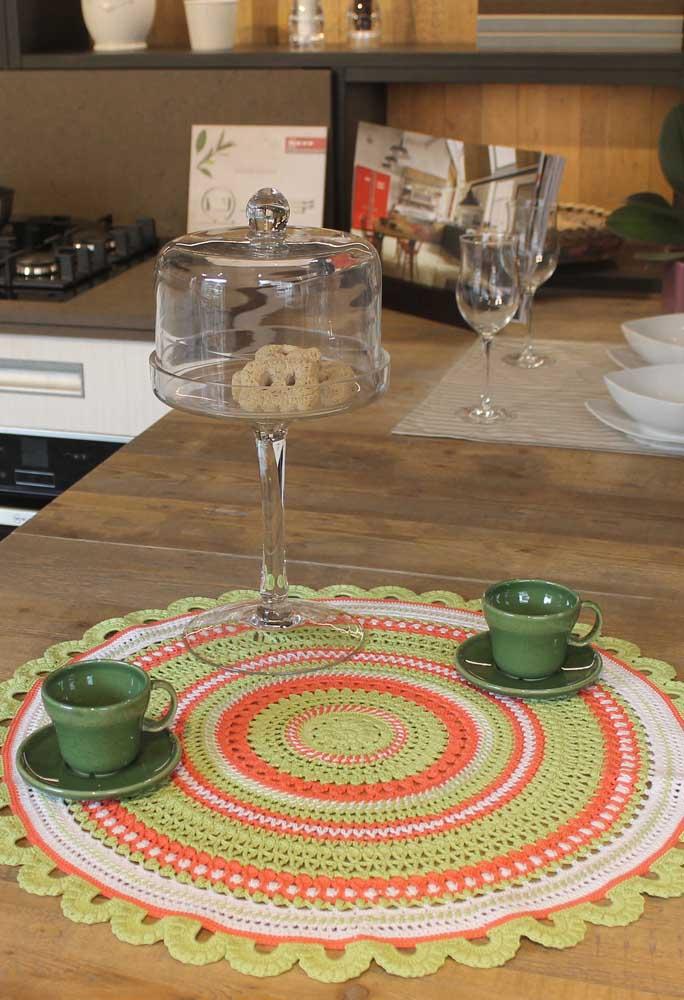 Na cozinha o centro de mesa pode ser usado como um jogo americano.