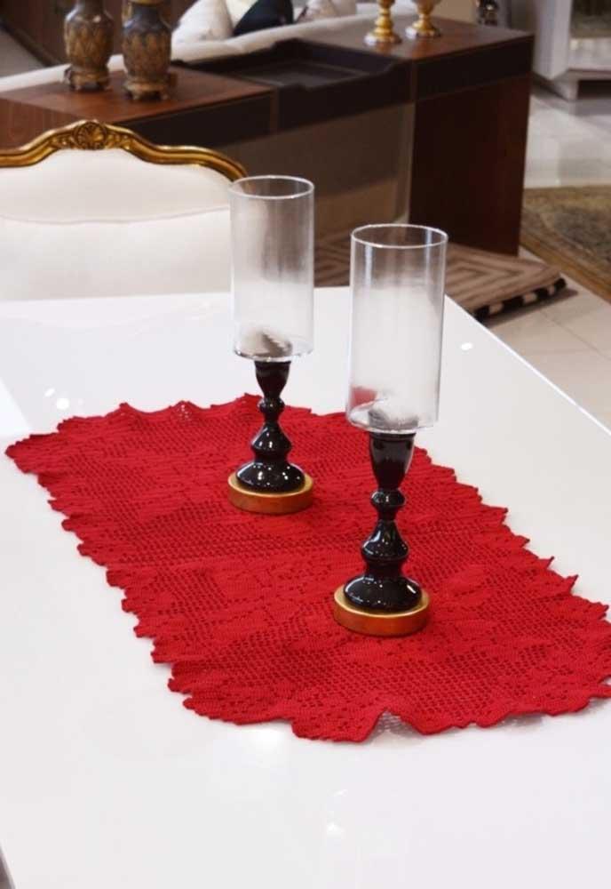 A cor vermelha consegue destacar qualquer objeto de decoração.