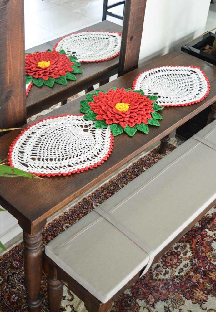 Quanto mais detalhado o centro de mesa de crochê, mais bonito ele fica.