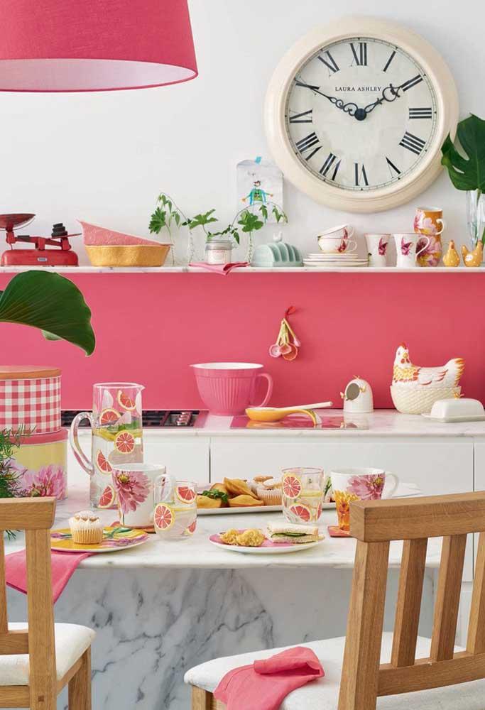 Esse tom de rosa deixa o ambiente com um estilo de casinha de boneca: delicado, suave e feminino.