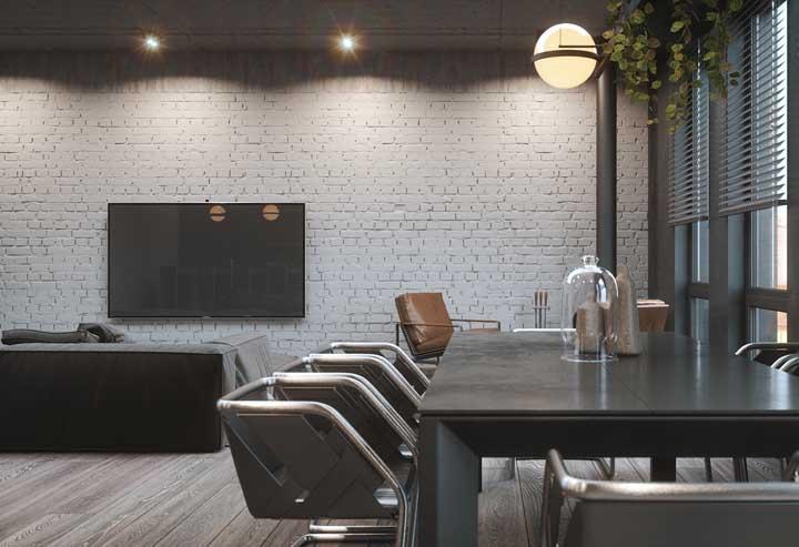 Ambientes corporativos e empresariais também podem se beneficiar do charme e beleza dos tijolinhos aparentes