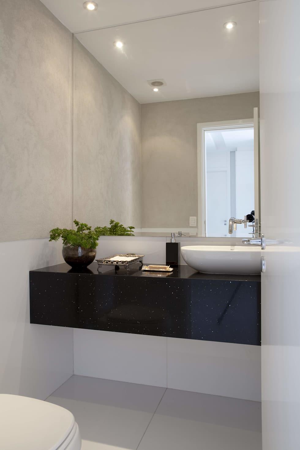Banheiro branco com bancada Preto Stellar