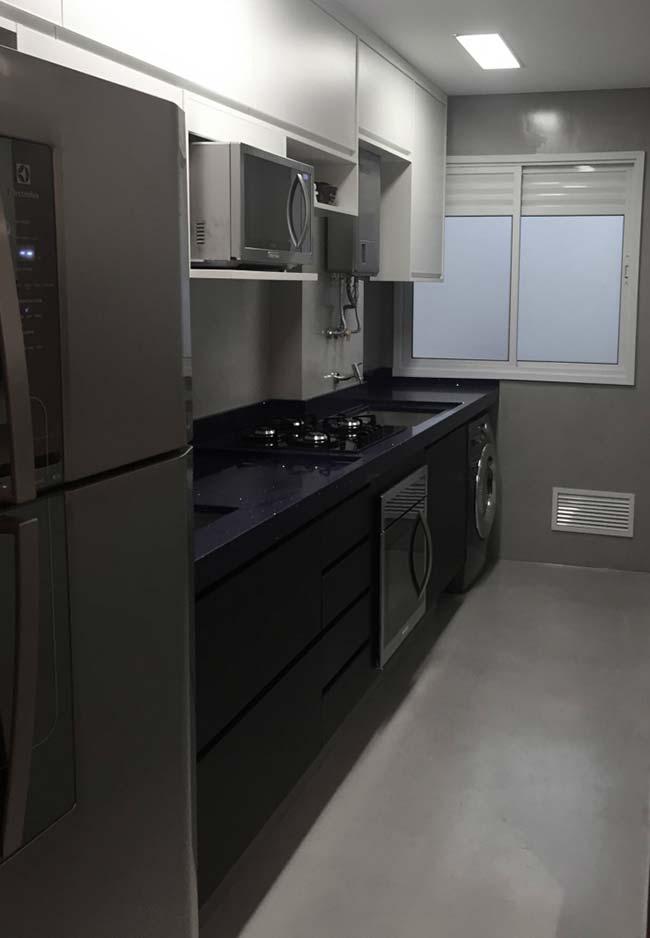 Cozinha moderna com bancada Preto Stellar