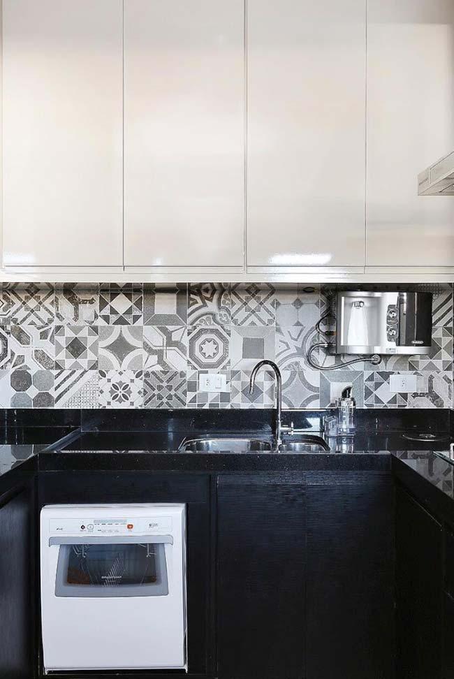 Granito preto para uma cozinha preta e branca
