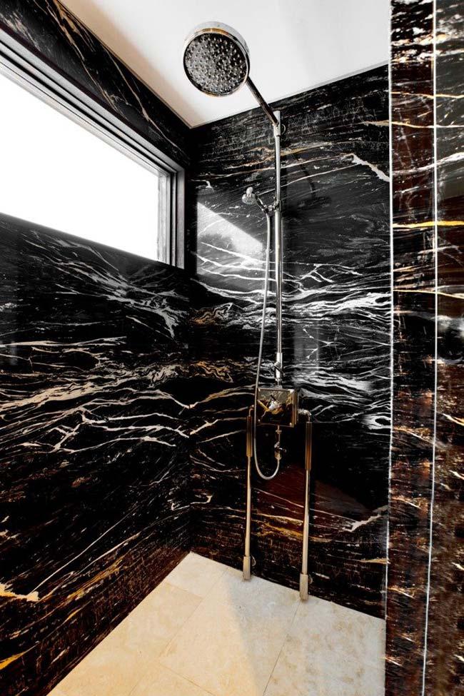 Granito preto Indiano no box de banheiro