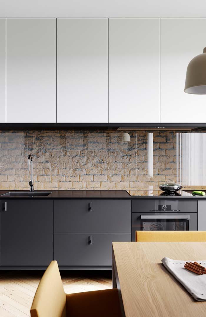 Tijolinhos na cozinha preta e branca
