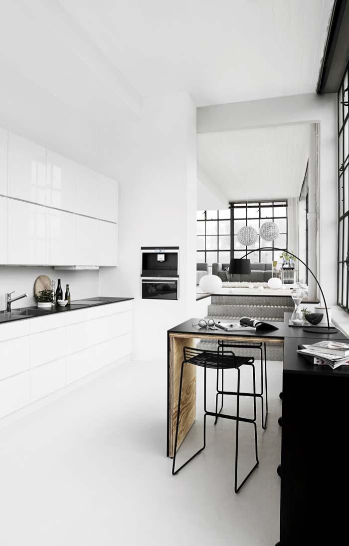 Cozinha preta e branca clean e moderna