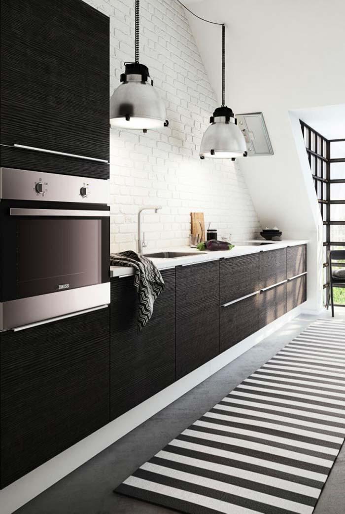 Listras na cozinha preta e branca