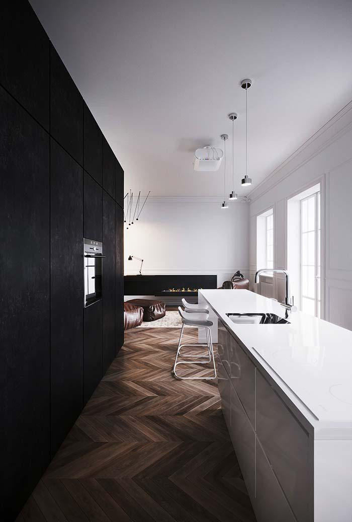 Cozinha preta e branca: preto de um lado, branco do outro