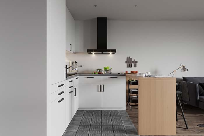 Cozinha preta e branca pequena com detalhes em preto
