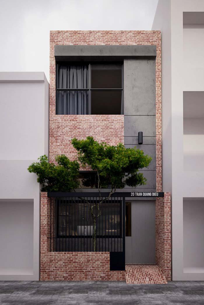 Fachada de tijolinho com muro vazado
