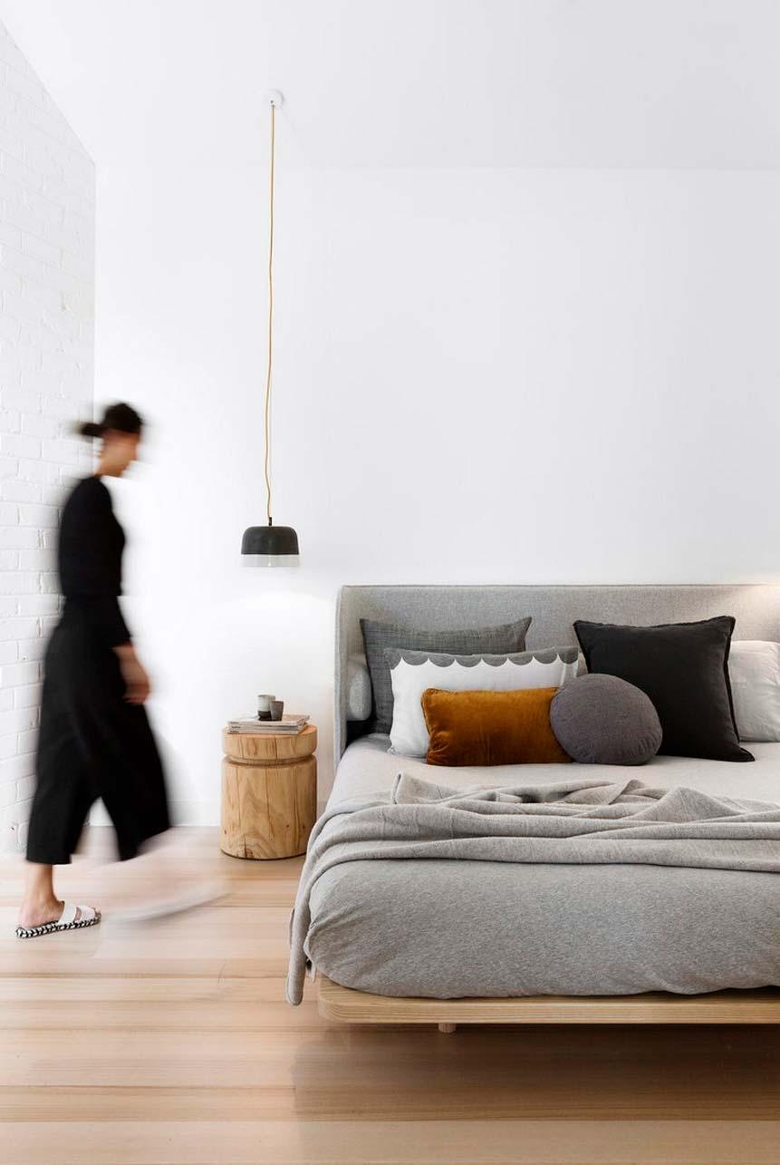 Cama japonesa com colchão alto