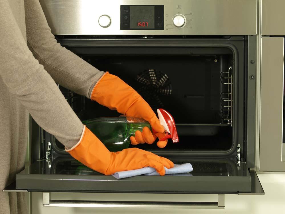 Limpeza de forno