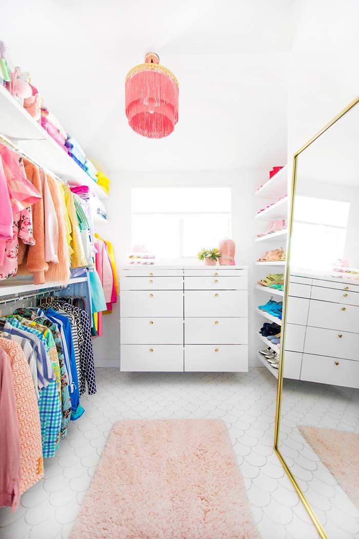 Closet feminino simples e funcional