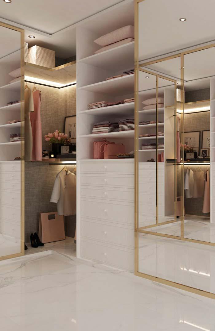 Frisos dourados para deixar o closet sofisticado