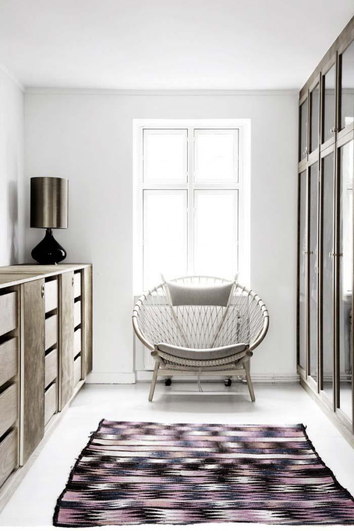 Poltrona confortável no closet