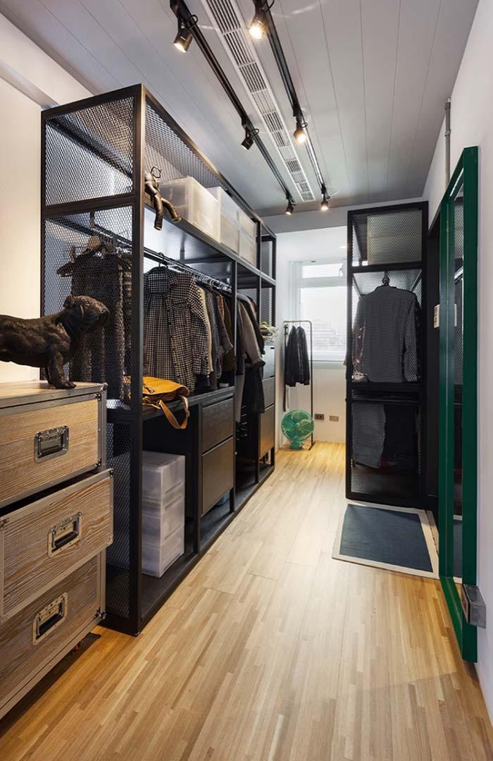 Closet masculino com estrutura de aramado