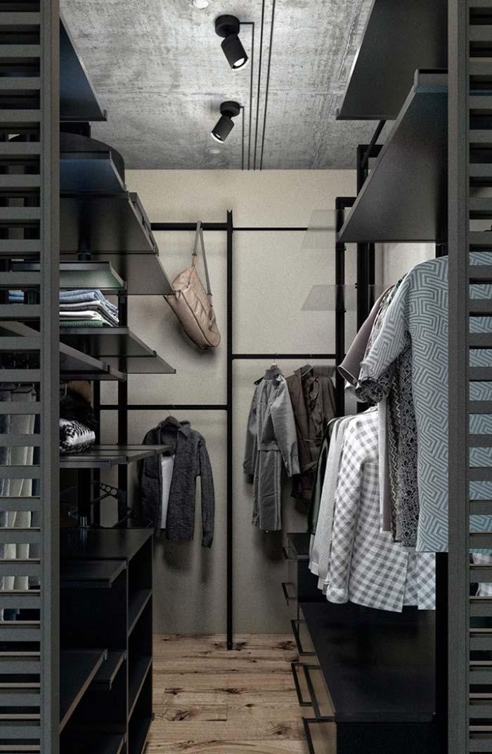 Aproveite as paredes vazias para pendurar peças e acessórios