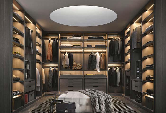 Iluminação é um detalhe importante para valorizar o closet