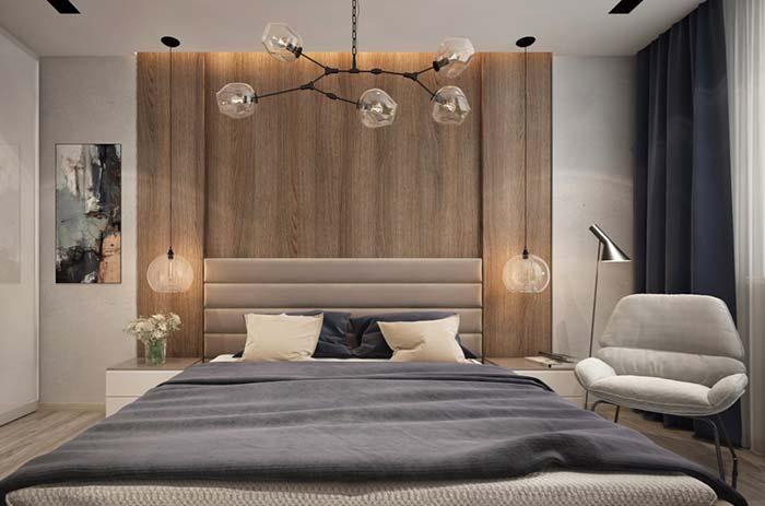 Poltrona para quarto ao lado da cama