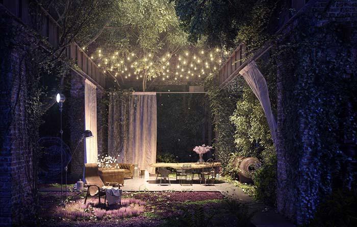 Jardim encantado: luzes azuis e amarelas criam efeito delicado e romântico