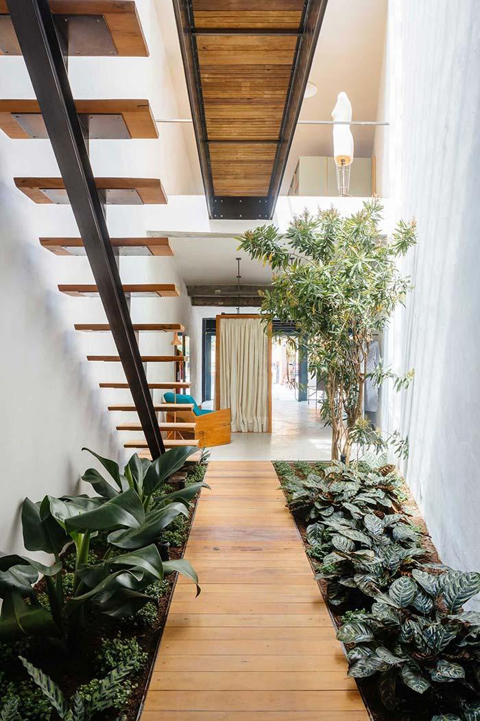 Corredor verde dentro de casa