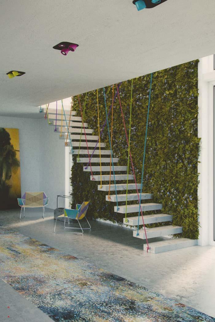 Podas frequentes são importantes para manter a aparência do jardim vertical