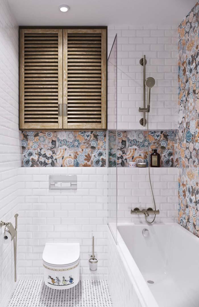 Um banheiro de detalhes provençais