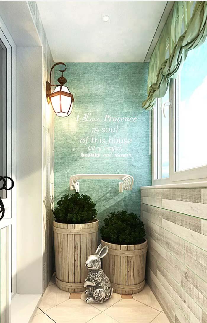 O amor à Provence estampado na parede da varanda