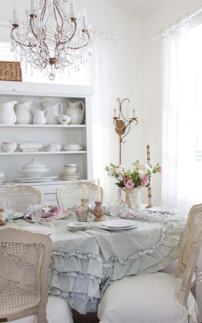 Sala de jantar toda ao estilo provençal