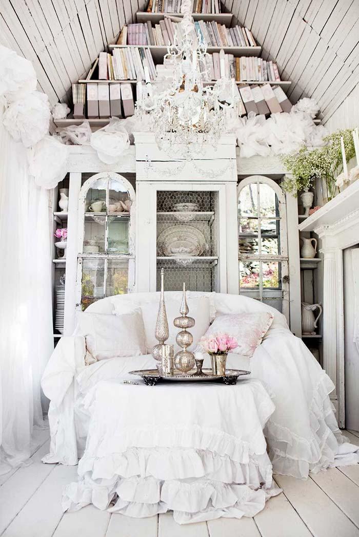 Lustre clássico e nobre para sala de estilo provençal