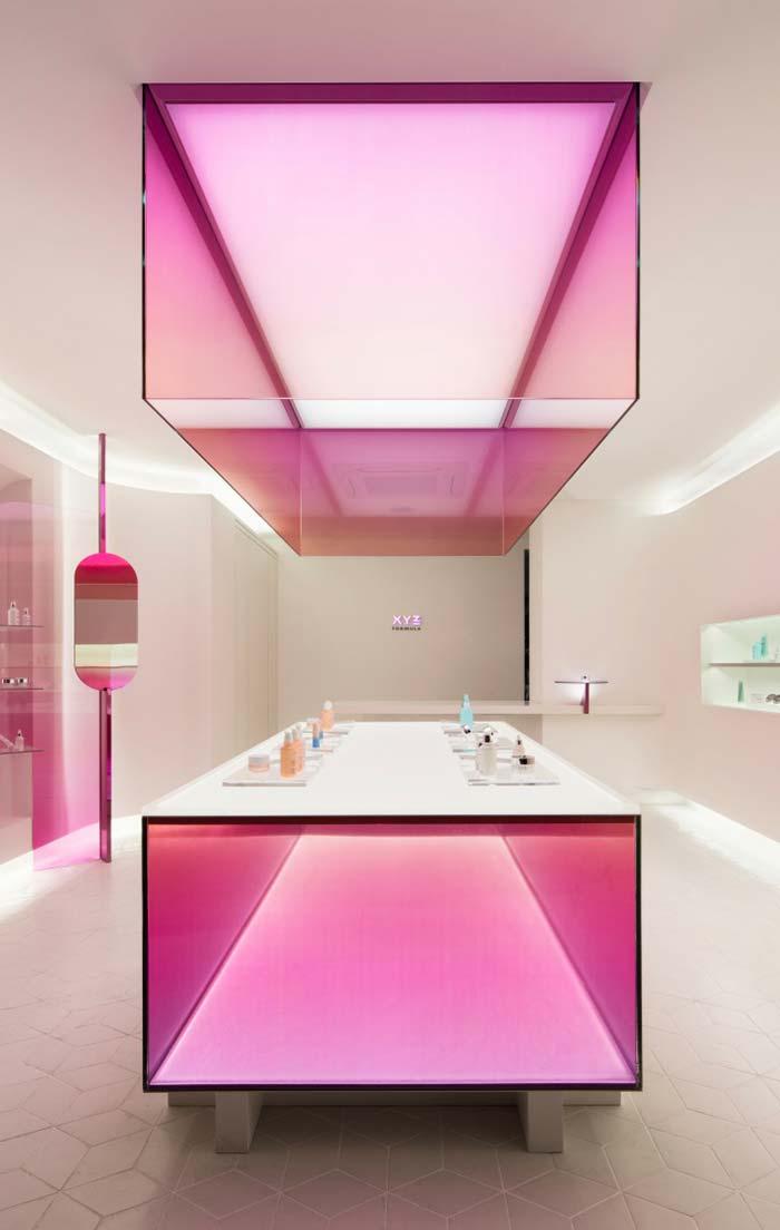 Rosa futurista no banheiro feminino