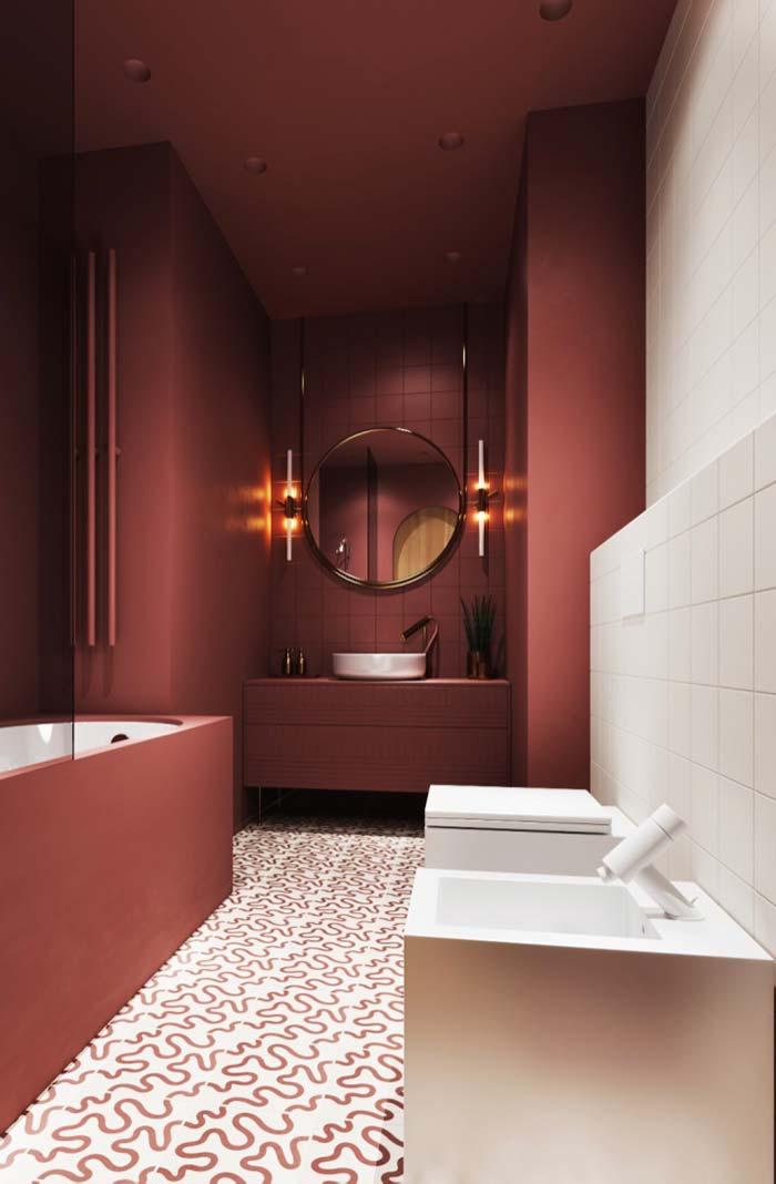 Vermelho queimado com branco no banheiro feminino