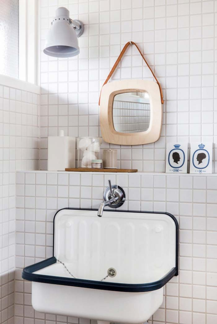 Espelho para banheiro pequenino