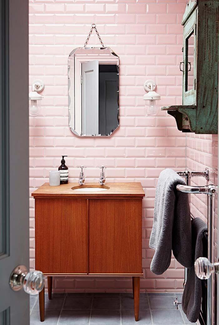 Espelho para banheiro com borda trabalhada
